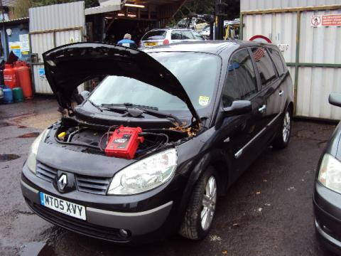 Breaking Renault Scenic 1.9 dci for spares #2