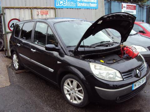Breaking Renault Scenic 1.9 dci for spares #3