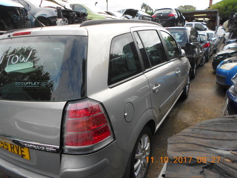 Breaking Vauxhall Zafira B for spares #3