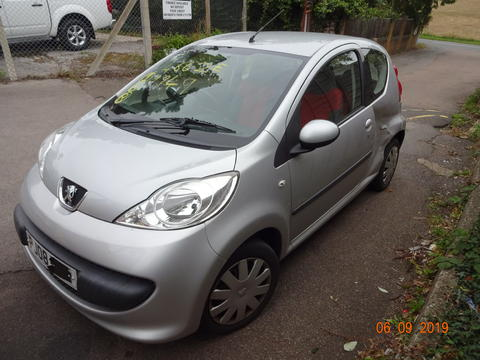Breaking Peugeot 107 for spares #3